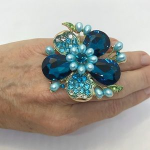 Stretch ring, beautiful turquoise